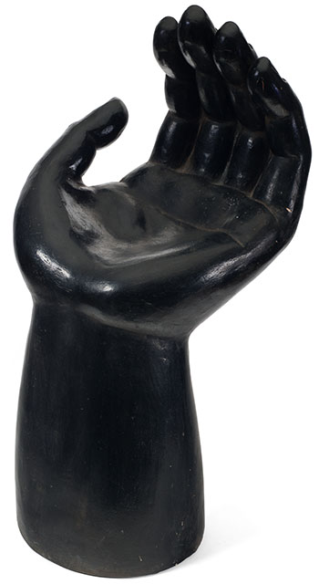 Escultura Manto (Hand Sculpture) - Black by  Firsto