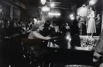 At the Bar, Bourbon St., New Orleans par George S. Zimbel